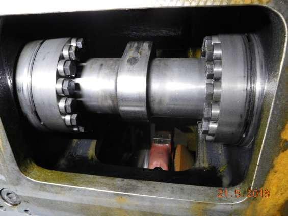 Fotos de Motor man con aceite vegetal de 2,7 mw y alternador hyundai 8